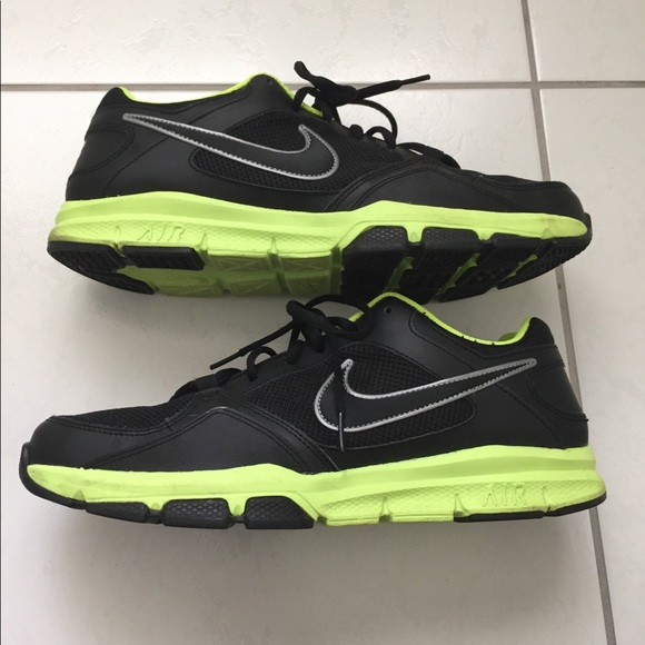 6535993a74c8 Nike Air Flex trainer II men s size 11.5. M 5b86fa8e153795dff3fbb099